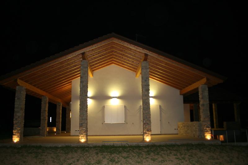 Illuminazione casa esterno fu62 pineglen - Illuminazione casa moderna ...